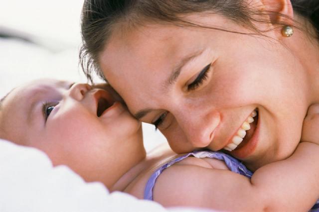 2008_mom-hug-baby