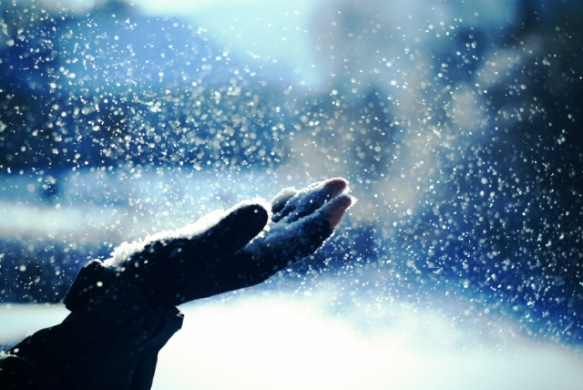 beautiful-blue-cold-snow-touch-Favim.com-140741