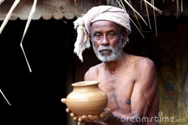 indian-village-potter-16739222