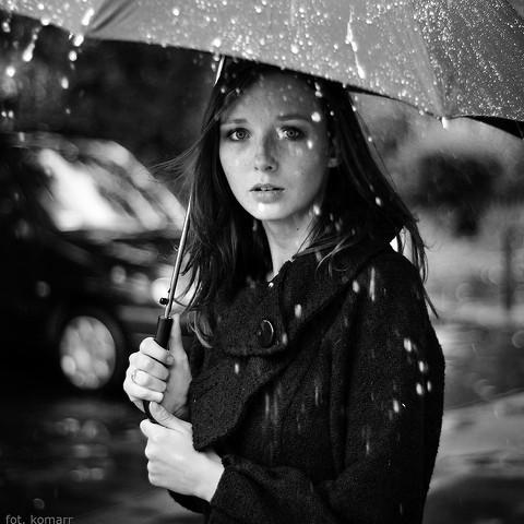 girl-in-rain1