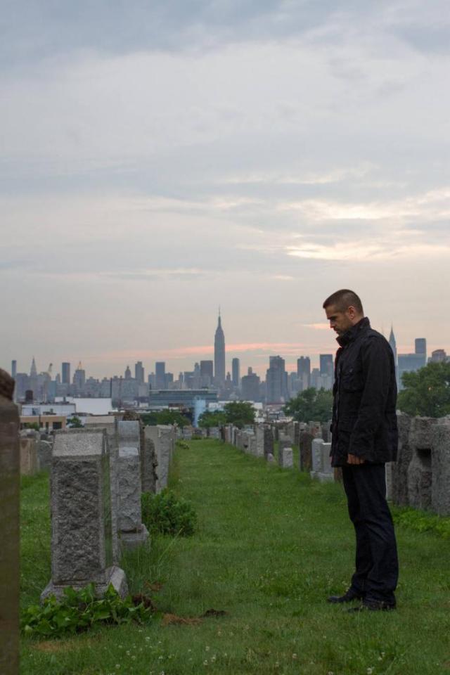 Dead-Man-Down-Colin-Farrell-graveyard